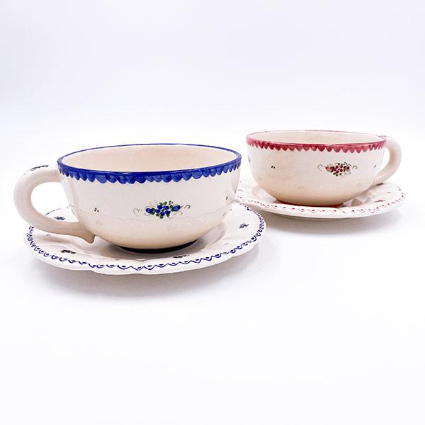 Gospodinjska keramika - rustikalni krožnik in skodelica Jumbo z ravnim robom.