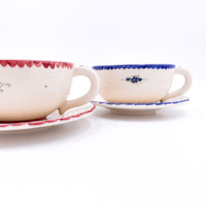 Gospodinjska keramika - tradicionalna keramika - desertni krožnik ročne izdelave Deserto in podlgazurno poslikana šaljica Jumbo.