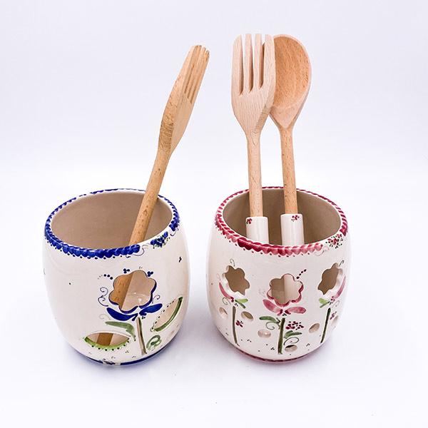 Stojalo za kuhalnice. Keramična posoda za shranjevanje kuhle in kuhalnic. Glasirana keramika, visoka kvaliteta.